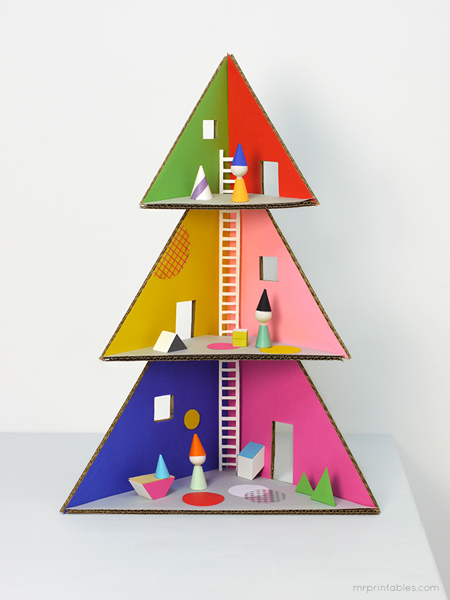 DIY Christmas tree doll house