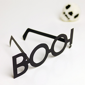 DIY Halloween Typography Glasses
