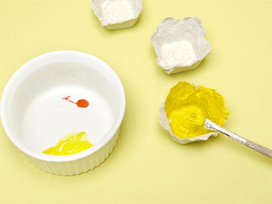 How to make egg carton daffodils