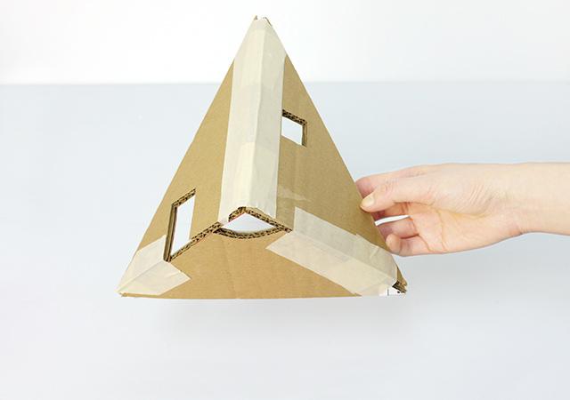 mrprintables-how-to-make-christmas-tree-cardboard-dollhouse-2