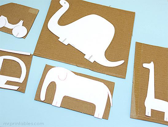 mrprintables-peg-dolls-cardboard-animals-adventure-step-4