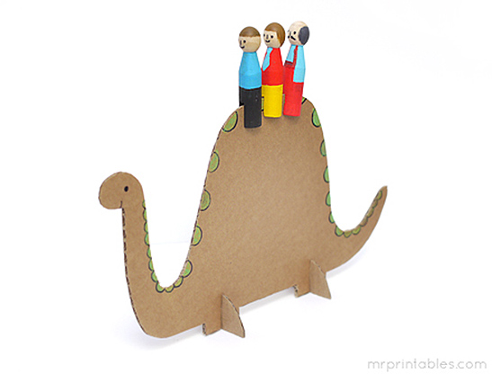 mrprintables-peg-dolls-cardboard-animals-adventure-step-6